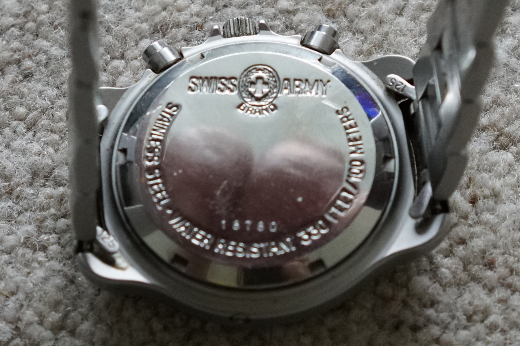 Can anyone tell me anything about this 'Swiss Army Brand' watch please?-watch-2.jpg